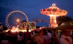 Erbach Wiesenmarkt market: Ferris wheel and chairoplane