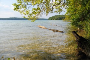 With a surface area of 425 hectares and a maximum depth of almost 69 metres, Lake Stechlin is the biggest clear-water lake in northern Germany.