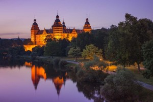 Aschaffenburg: Johannisburg Palace in the evening