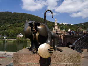 Heidelberg, monkey statue next to the bridge