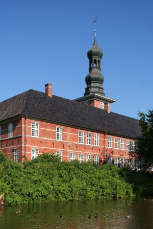 Husum: Palace with tower