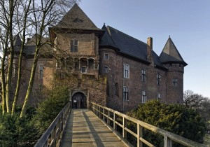 Krefeld/Lower Rhine: Linn Castle with bridge (12th century)
