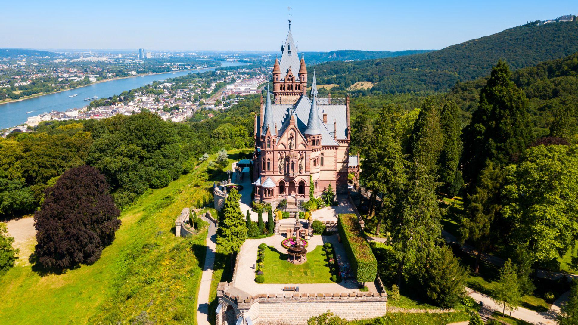 Konigswinter : Le château de Drachenbourg sur le Rhin