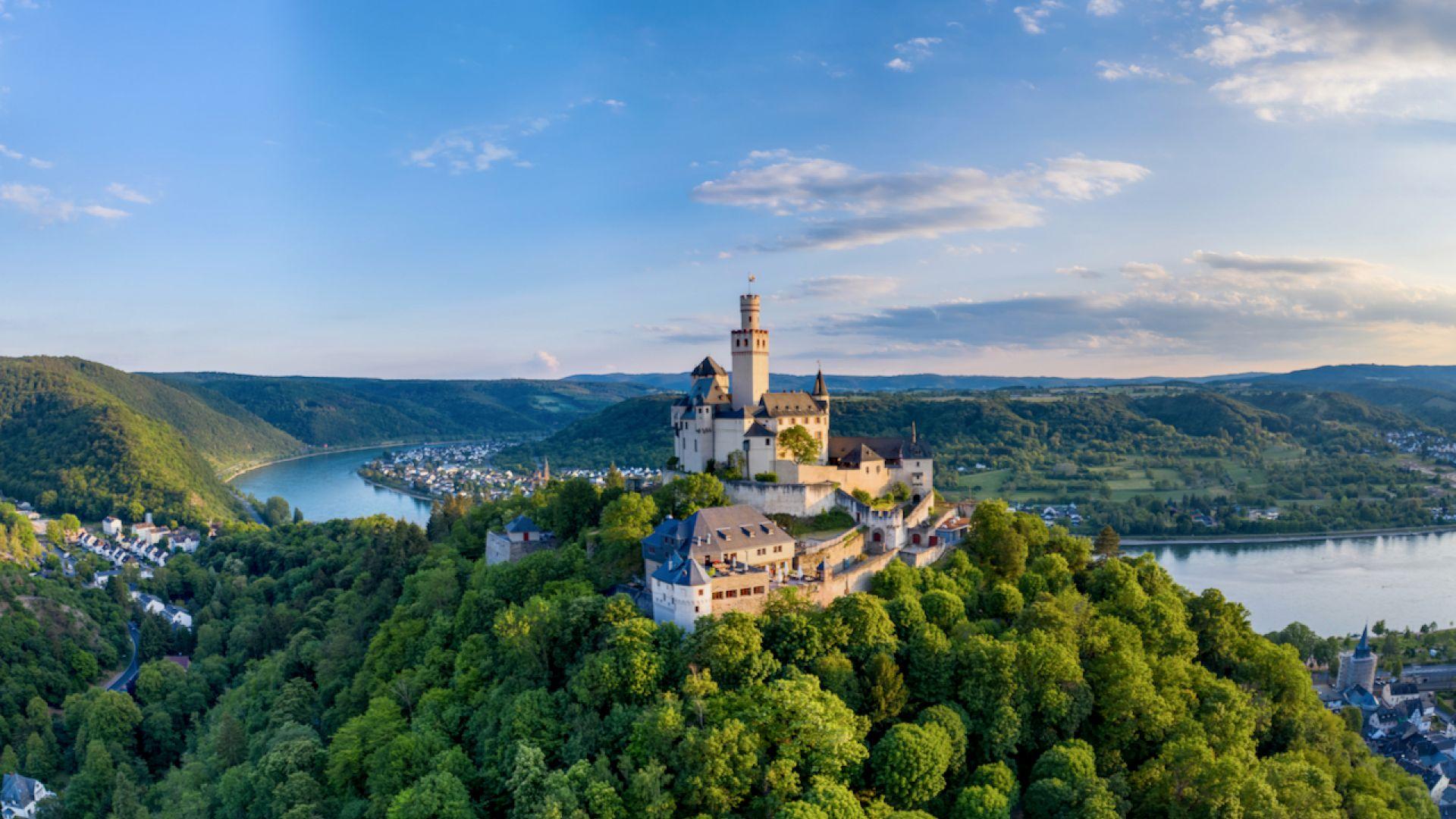 Braubach: vue aérienne de Marksburg avec vue sur le Rhin