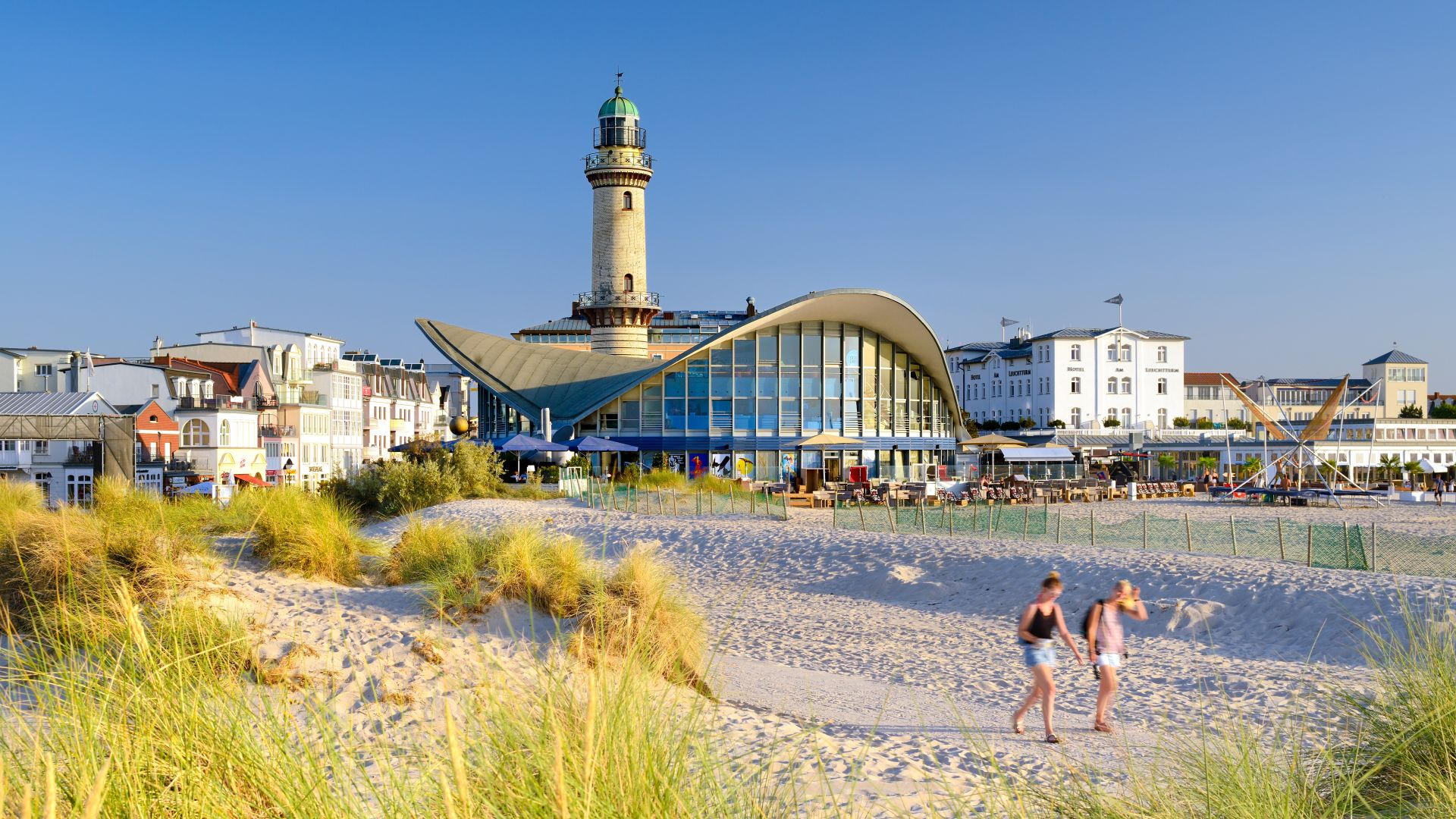 Rostock: Lighthouse and Teapot at the seaside promenade